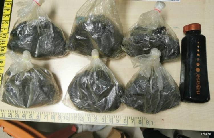 Police seize large amount of drugs in sting operation
