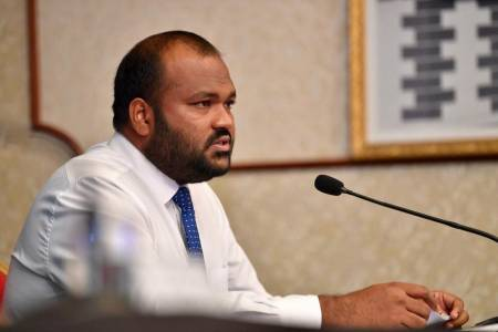 Travel ban issued against ex tourism minister