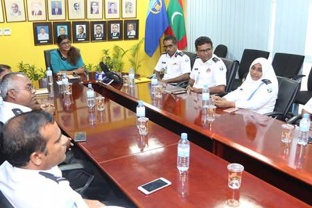 Defence Minister visits Maldives Customs Service