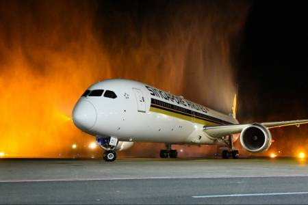 Singapore Airlines Dreamliner begins operations to Maldives