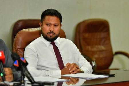 Mus'ab dismissed as Islamic Ministry's PS