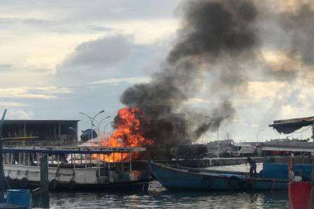 Fire breaks out at T-jetty in Male