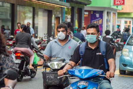 Doctors call for public to wear face masks